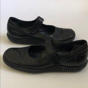Joan & David Black Leather Velcro Mary Janes 7